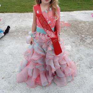 COPY - Beautiful pageant dress